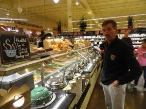 dit is geen restaurant, maar in de supermarkt. We nemen een lekker kopje soep.