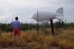 ......zeppelin, voor de weersvoorspelling, detail: we zien ze alleen in de buurt van de Mexicaanse grens....
