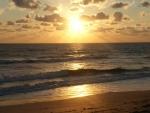 De zon komt op boven de Atlantische Oceaan